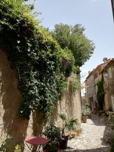 Petite ruelle Cagnes-sur-Mer dans la vieille ville