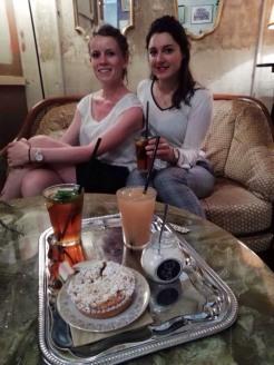 Chloé et Nolwen au Fox Coffee Metz